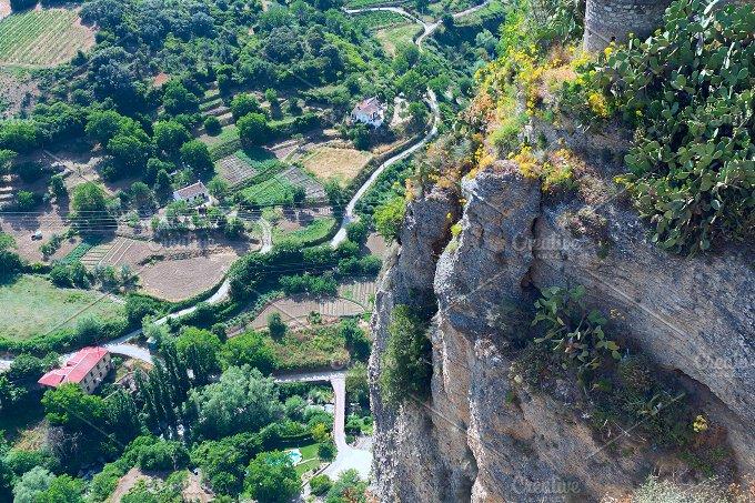 Landscape of Spanish city Ronda (2).jpg - Photos
