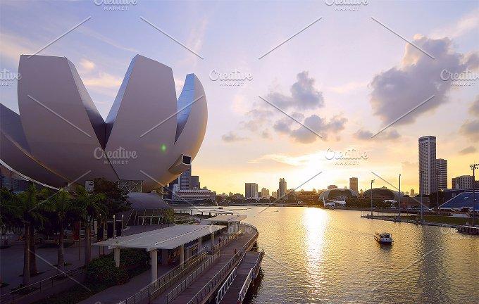 Beautiful sunset view to city of Singapore.jpg - Photos