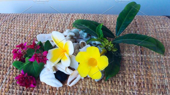 Flowers with white seashells.jpg - Photos