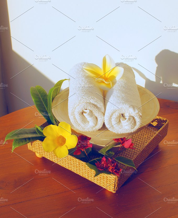 White towels and flowers frangipani.jpg - Photos