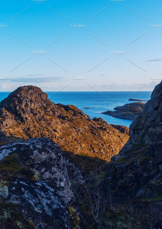 Top of mountain on the island Skrova on the Lofoten.jpg - Nature