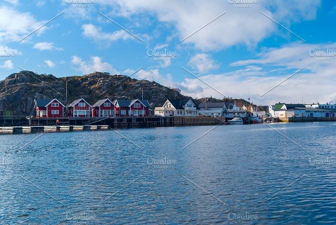 Norwegian village on the Lofoten islands.jpg - Nature