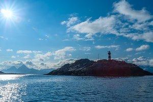 Lighthouse in bright sunlight.jpg