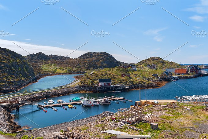 Village on the norwegian island Skrova in sunny day.jpg - Nature