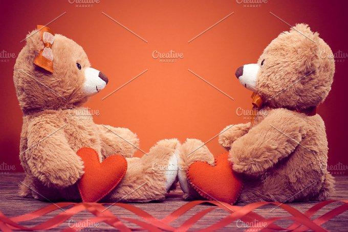 Teddy Bears couple. Love heart - Arts & Entertainment