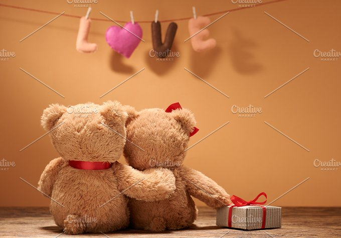 Teddy Bears couple. Love heart - Arts & Entertainment