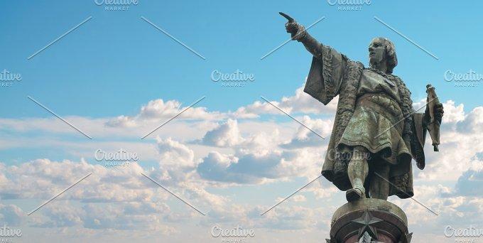 Barcelona Cristobal Colon statue.jpg - Architecture
