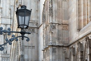 Detail Barcelona cathedral and lamppost.jpg