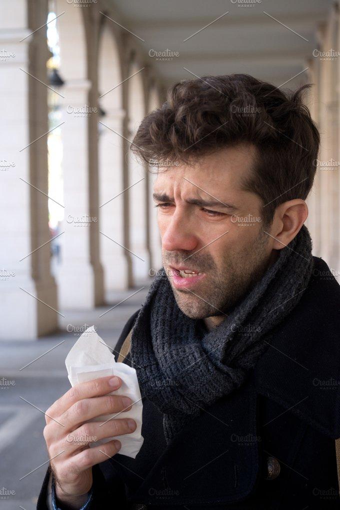 Man I sneeze and handkerchief snots.jpg - Health