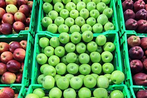 Fresh apple at a farmer's market