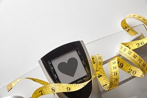 Scale with healty heart message