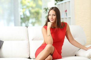 Fashion housewife woman posing at home.jpg