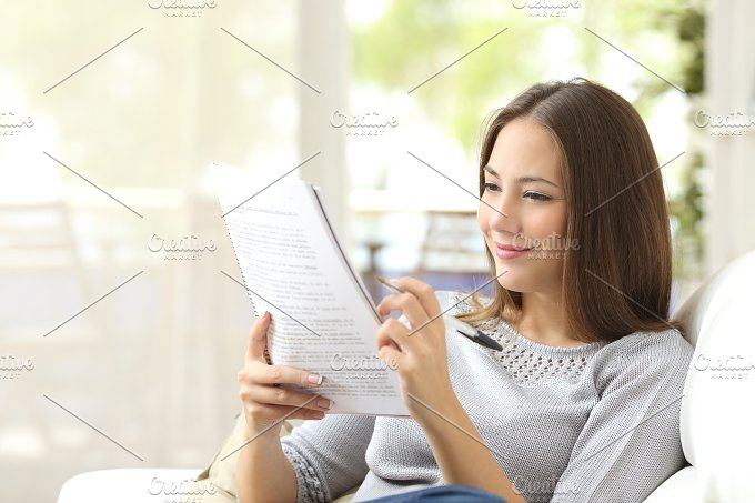 Student studying and learning reading notes.jpg - Education