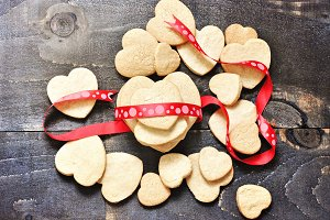 Shortbread cookies & ribbon