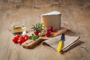 Typical Spanish cheese with wine, gr