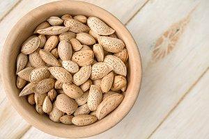 Unpeeled Almonds
