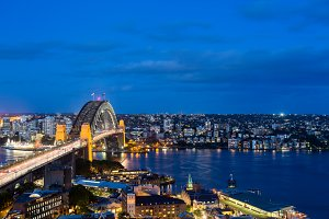 Night shot of Sydney Harbour Bridge
