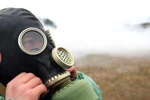 Soldier dress gas mask