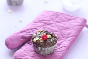 Chocolate Muffins with White Chocola