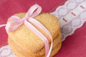 Heart-shaped butter cookies with sug