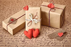 Gift boxes love 2.jpg