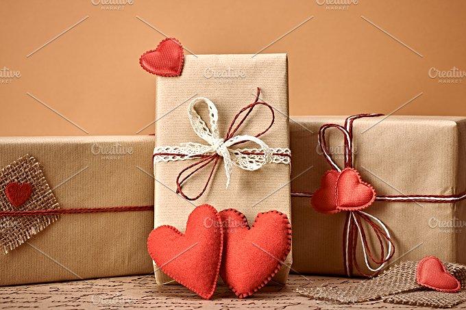 Gift boxes love 3 copy.jpg - Arts & Entertainment