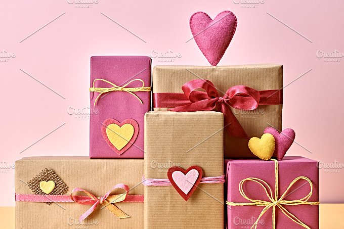 Gift boxes love 7.jpg - Arts & Entertainment