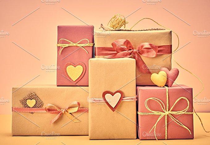 Gift boxes love 10.jpg - Arts & Entertainment