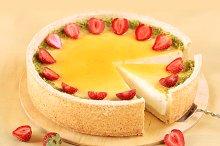 Vanilla Cheesecake with strawberries