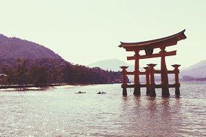 Floating gate in Miyajima
