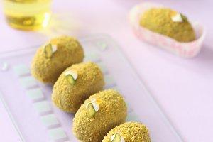 Pistachio Sweet Balls