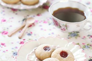 Peanut Butter Cookies with Jam