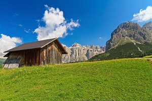 small barn in Dolomiti