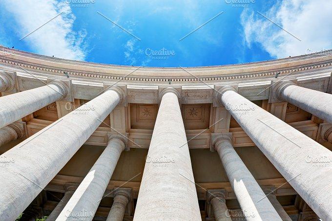 St. Peter's Basilica colonnades. - Architecture