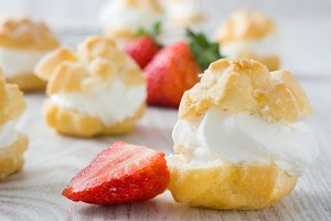 Fresh profiteroles with cream