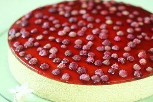 Pistachio Strawberry Mousse Cake