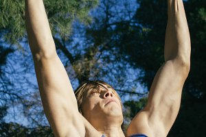 Man prepared to doing pull ups