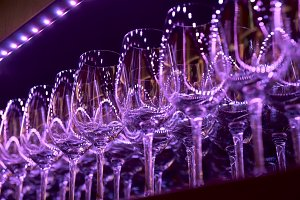 Rows of wineglasses