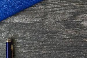 Le Bleu: Handbag & Pen Mockup