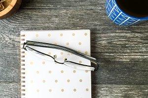 Le Bleu: Glasses & Notebook Cafe