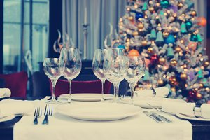 Place setting with Christmas tree