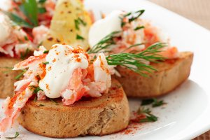 Crab meat with toast
