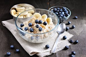 Oatmeal, healthy breakfast