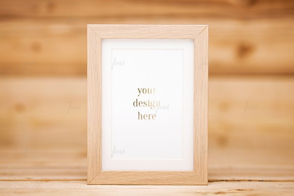 Photo-based mockup wood frame ♥