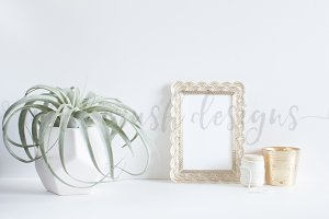 Simple Gold Frame & Candle Photo