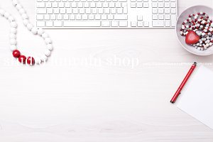 Valentine Desktop Mockup + FREEBIE