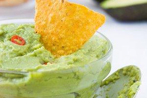 Guacamole with nachos