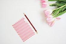 Hero image feminine desk,pink flower