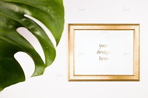 Vintage gold frame Monstera leaf