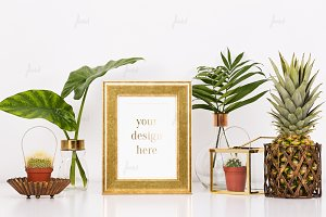 Vitnage golden frame style mockup